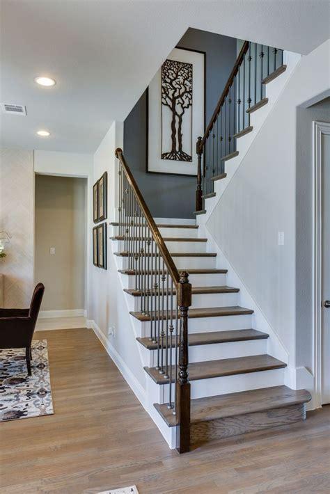 decoration escalier gris