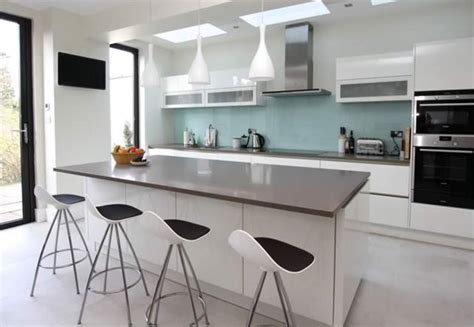 pics of kitchens with white cabinets 25 best ideas about high gloss kitchen cabinets on 9096