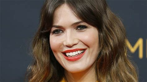 mandy moore reveals mom brothers  gay   loves