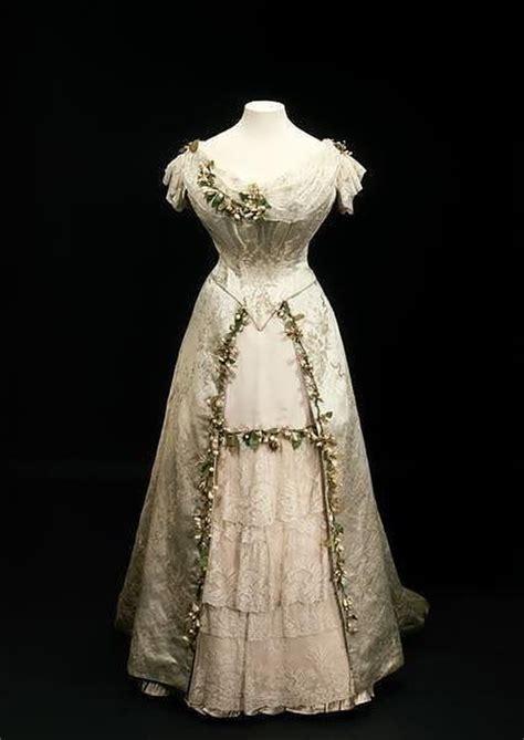 robe de chambre princesse 39 s wedding dress royal weddings