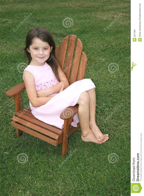 chambre fille 9 ans fille de pied nu images stock image 221184