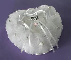 www mariage fr le coussin coeur plat rigide boite coeur transparente les accessoires du mariage mariage