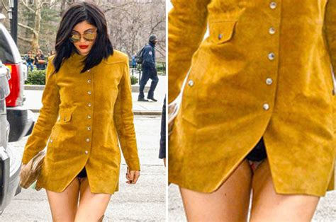 kylie jenner accidentally flashed  knickers