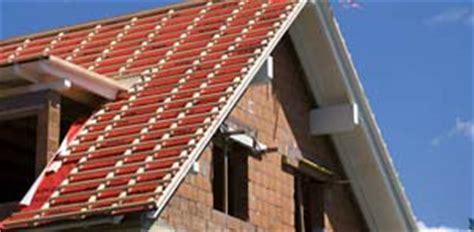 Dachueberstand Schutz Vor Wind Und Wetter by Fassadenschutz Der Dach 252 Berstand Als Hingucker Mit