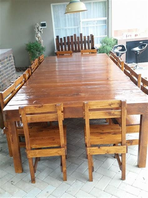 pallet dining room table sixteen seater pallet dining table pallet dining tables