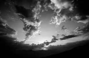des nuages en noir et blanc la quelle choisir pour 234 tre