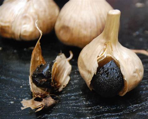 spécialité japonaise cuisine connaissez vous l ail noir blogs de cuisine