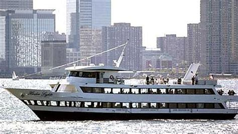Edm Boat Cruise Nyc by 4th Of July Cruise In New York City Nypartycruise