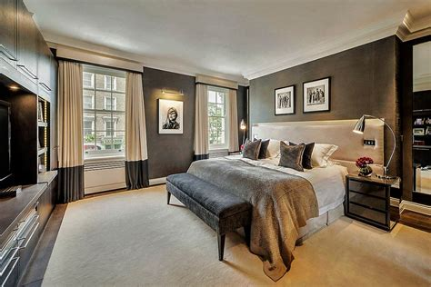 Master Bedroom Decorating Ideas For A Contemporary Bedroom