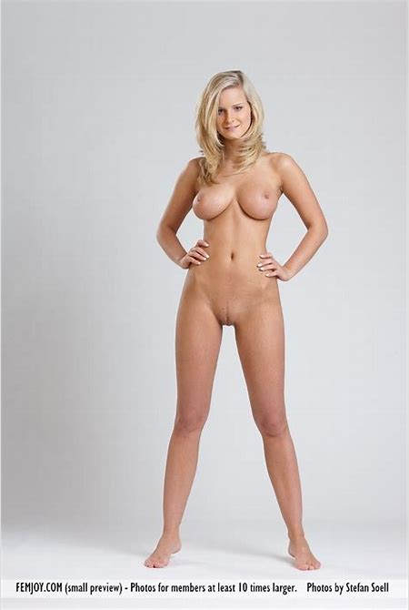 Naturally busty blonde Miela looks so beautiful | Glamour Hound