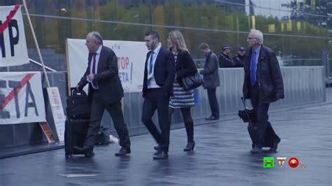 Consiglio Dei Ministri Ue by Greenpeace In Azione Durante Il Consiglio Dei Ministri