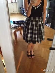 Svart vit rutig kjol