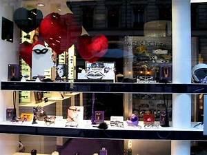 Vitrine Saint Valentin : vitrine de la saint valentin de l 39 opticien les plus belles lunettes du monde avec 1969 paris ~ Louise-bijoux.com Idées de Décoration