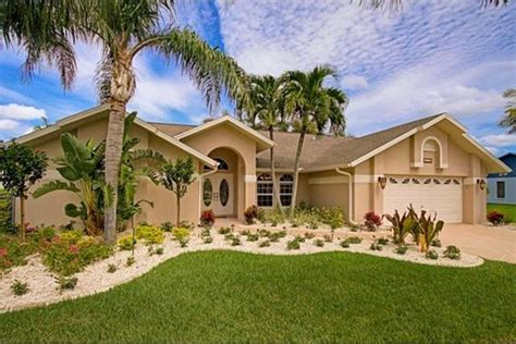 Boat Lift Rentals Cape Coral by House Valrico Beautiful House With Pool In Valrico