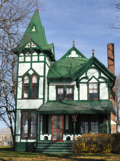 homes and interiors file carpenter revival cottage jpg wikimedia commons