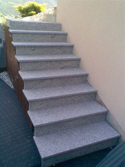 pose d un rev 234 tement en granit sur un escalier ext 233 rieur