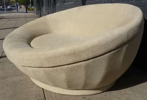 large oval chaise lounge chair after milo baughman at 1stdibs