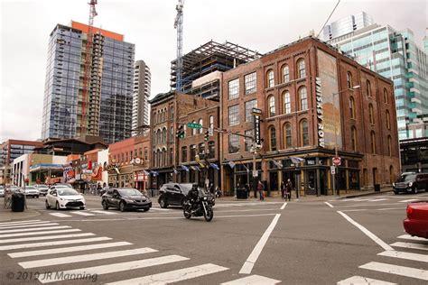 LandmarkHunter com Broadway Historic District