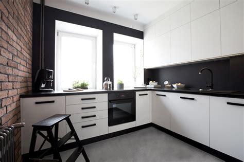 cuisine moderne avec mur de briques