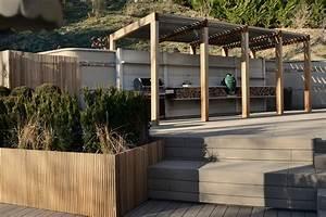 Grill überdachung Holz : outdoork che in italien mit weber gasgrill und berdachung ~ Buech-reservation.com Haus und Dekorationen
