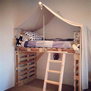 Hochbett Aus Paletten : best 25 pallet loft bed ideas on pinterest loft boards bunk bed shelf and bunk bed lights ~ Markanthonyermac.com Haus und Dekorationen