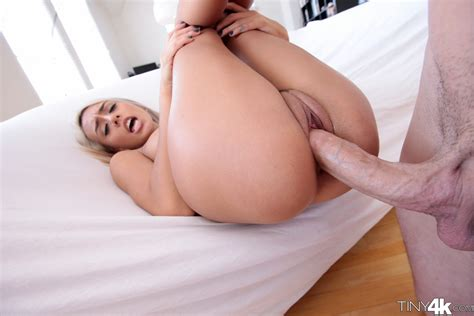 sex images janice griffith gets huge cock pleasure for haloween the sex me