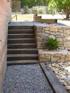 escalier jardin exterieur talu paysagiste natura With allee d entree maison 8 amenagement cour arriare amenagement jardin amp terrain