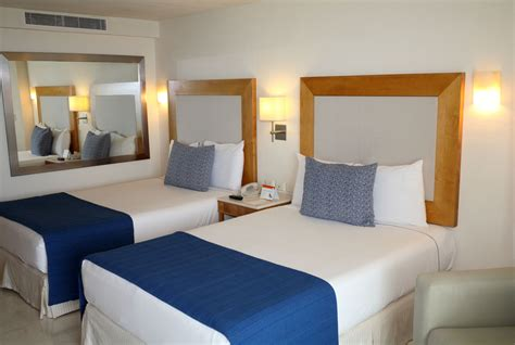 twin beds  separate bedrooms  married couples