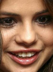 """Close-Up Celebs on Twitter: """"Selena Gomez http://t.co ..."""