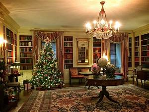 Visiting The White House During Christmas