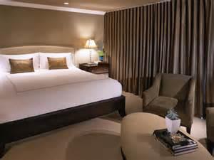Hgtv Bedroom Decorating Ideas 10 All White Bedroom Linens Bedrooms Bedroom Decorating Ideas Hgtv