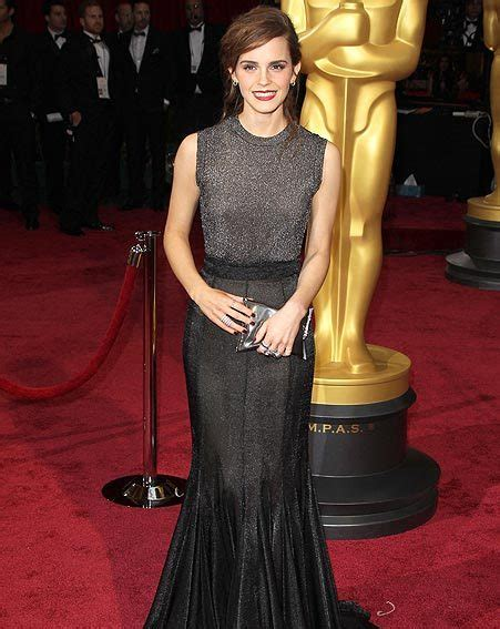 Oscars Emma Watson Makes Impact The Red Carpet
