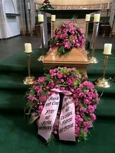 Beerdigung Schöne Ideen : die besten 25 beerdigung blumen ideen auf pinterest beerdigungsvorbereitungen beerdigung ~ Eleganceandgraceweddings.com Haus und Dekorationen