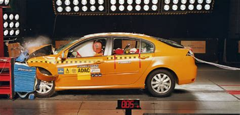 adac mph crash test shows weaknesses   top rated cars