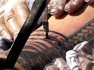 Traditional Samoan Tattooing @ Pasifika Festival 2012 ...