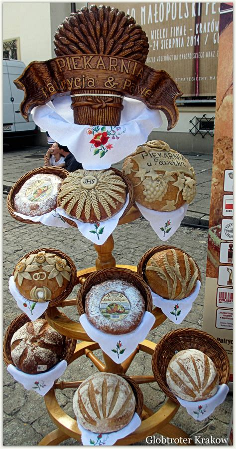 Find loads of festive christmas breads here, from pannetone to cranberry studded bread that is delicious toasted. Bread, Krakow, Poland | Poland food