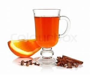 Tee Im Glas : hei er tee im glas tasse und gew rzen auf wei em hintergrund stockfoto colourbox ~ Markanthonyermac.com Haus und Dekorationen