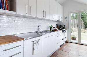 Carreau Metro Blanc : carrelage m tro blanc dans la cuisine et la salle de bains ~ Preciouscoupons.com Idées de Décoration