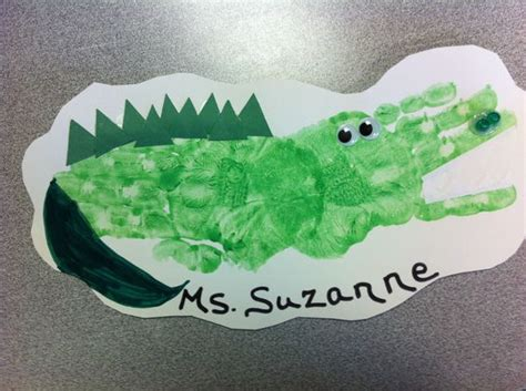 alligator handprint craft for preschoolers crafty things 712 | 53a138309889a8320e8abb2c3676aad1