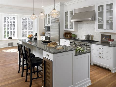 great wine and grape themed kitchen decorating ideas