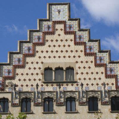 casa amatller  barcelona guideandgo