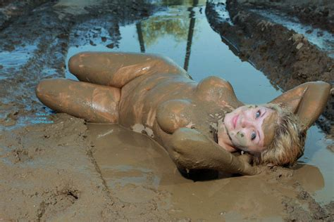 Fun In The Mud January Voyeur Web