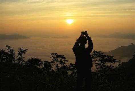 wisata lampung negeri diatas awan bukit temiangan lampung