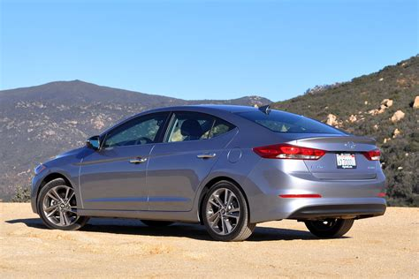 Cost Of Hyundai Elantra by 2018 Hyundai Elantra Guide Engines Specs Safety Ratings