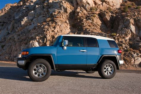 toyota cruiser 2014 toyota fj cruiser reviews and rating motor trend
