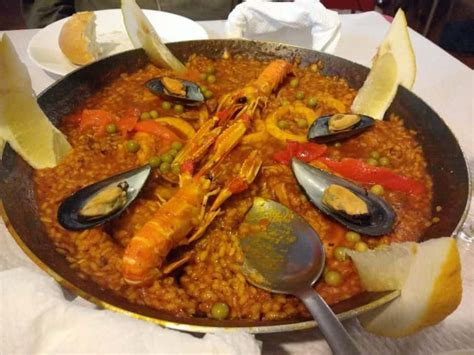 food spanish andalusian spain lunch dinner andalucia traditions cuisine eat cena lighter midnight usually takes much version pm place xyuandbeyond