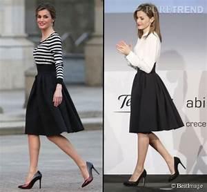 A Gauche La Reine D39Espagne Dans Une Jupe Noire Taille