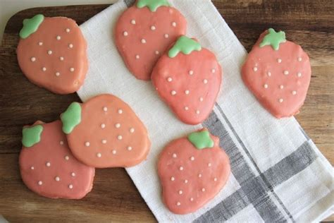 drizzle icing for cookies sugar cookies glaze icing cupcakes sweet treats pinterest