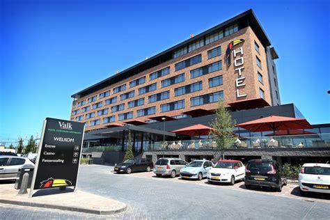 Van Der Valk Hotel Oostzaan  Amsterdam, Netherlands. Villa Italia Hotel. Viva Palma Nova Hotel. Punthill Apartment Hotel - Flinders Lane. W Paris Opera Hotel. Hide-Away Guest House. Apartament Aquarius. Holiday Inn London Gatwick Worth Hotel. Hotel Belweder