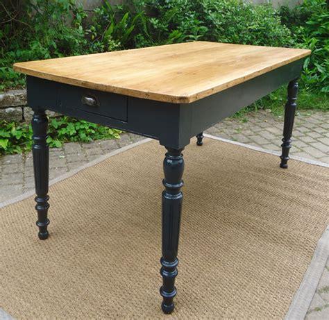table de cuisine bois relooker une table de cuisine maison design bahbe com